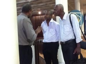 15:00...la délégation des marins-pêcheurs arrive au Conseil Général de la Martinique