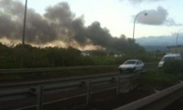 Grave incendie à la zone industrielle de la lézarde au Lamentin en #Martinique