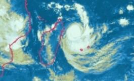 1er janvier et 1er cyclone pour l'île de la #Réunion