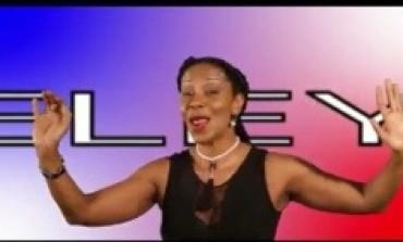 Christiane #Obydol chante pour l'équipe de #France de Football...ça déchire