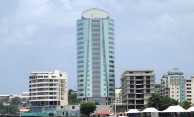 #Martinique Première à la fois commerciale et publicitaire de la Tour #Luminaire