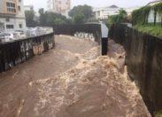Conditions météorologiques difficiles à l'île de La #Réunion : fortes pluies et orages