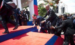 François Hollande entre chute dans les sondages et chute morale
