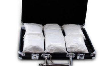 De retour de Martinique avec 3,2 kg de cocaïne dissimulés dans sa valise