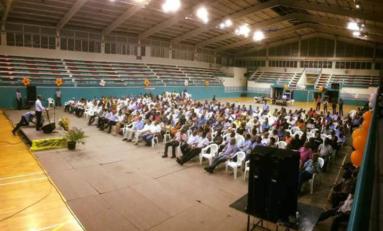 Ensemble Pour une Martinique Nouvelle refuse du monde au Palais des sports de Rivière -Salée