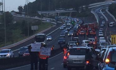 Grève des pompiers en Martinique  : sapeurs comme jamais