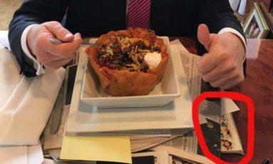 La classe : Trump mate son ex-femme en bikini en mangeant un tacos