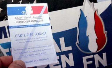 """Un ex-cadre du FN parle. """"Le parti avance masqué"""". (radio)"""