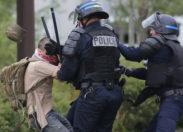 L'abus de pouvoir policier (radio)