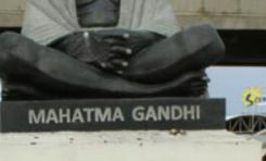 Une statue du Mahatma Gandhi décapitée à l'île de La Réunion