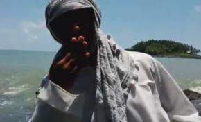 [VIDEO] : Un homme en burkini sur une plage en Guyane