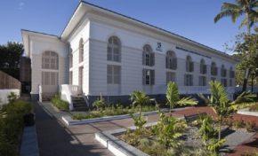 Bibliothèque départementale : Promenade à la bibliothèque départementale - Journées Européennes du Patrimoine à la Réunion