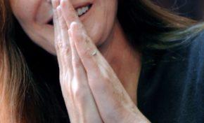 Le coût extravagant du site de Carla Bruni-Sarkozy fait polémique