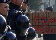 """""""Fillon en prison"""" : Fillon insulté par des manifestants à Tourcoing"""