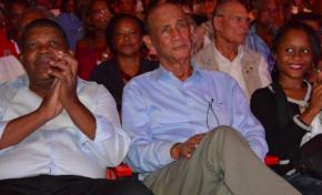 """Hé bé...hé bé...Bordelais alias """"la Martinique va souffert"""" faisait le nombre au meeting de Hamon"""