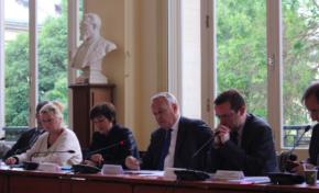 """1ère Assemblée Générale Constitutive du GIP """"mission de la mémoire de l'esclavage"""" : même le buste est blanc..."""