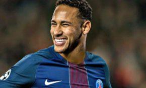 Le brésilien Neymar a annoncé son départ à ses coéquipiers du FC Barcelone