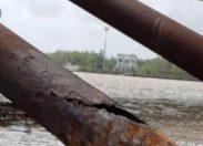 """Ce pont est en Guyane et ça ne """"Gênes"""" pas la France le pays des droits de l'homme..."""