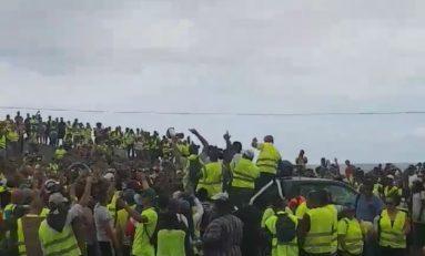 Île de La Réunion : Annick Girardin entre Chaudron et Piton de la Fournaise