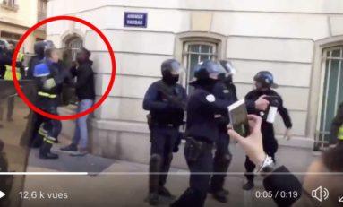 Un policier dérape et allonge plusieurs droites à un jeune Noir Gilet Jaune 😳... (vidéo)